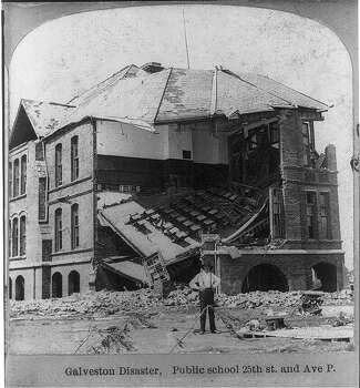 A public school sits destroyed in the aftermath of the 1900 Galveston hurricane. Photo: U.S. Library Of Congress