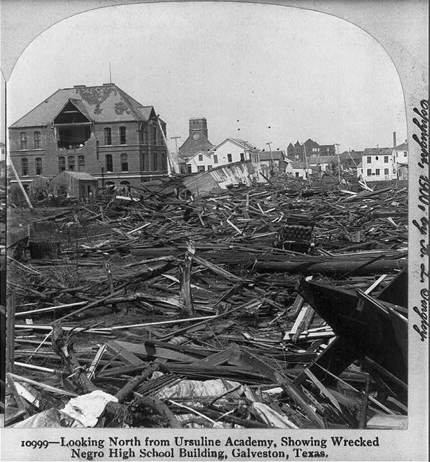 A wrecked school in the aftermath of the 1900 Galveston hurricane. Photo: U.S. Library Of Congress