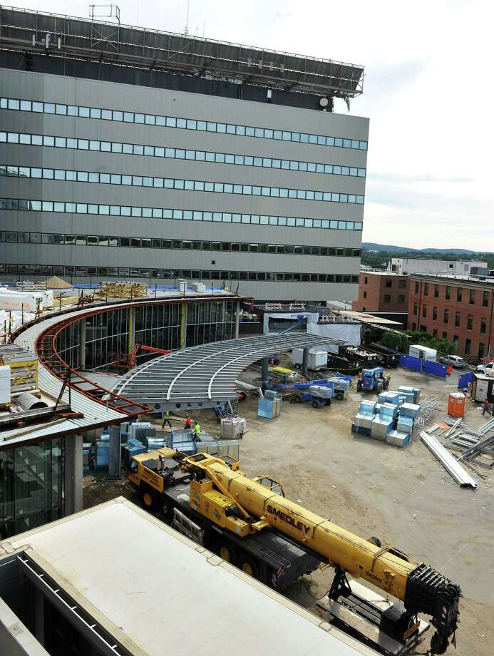 Construction continues on the main entrance of the $150 million tower addition to Danbury Hospital, in Danbury, Conn. Monday, Sept. 9, 2013. The Western Connecticut Health Network announced it has just received a $10 million gift. Photo: Michael Duffy / The News-Times