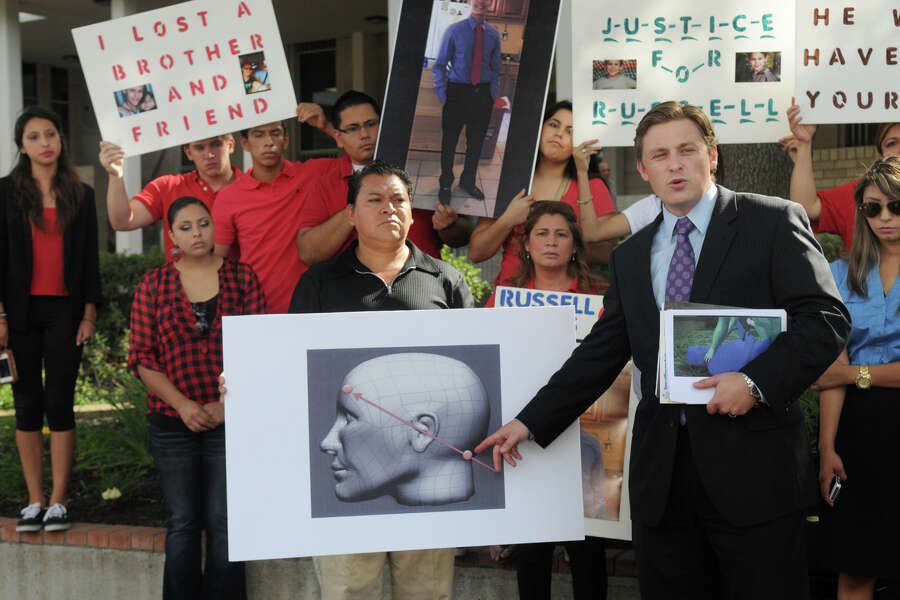 Conroe Woman Files Federal Suit Over Son S Shooting Death Outside Wal Mart Expressnews Com