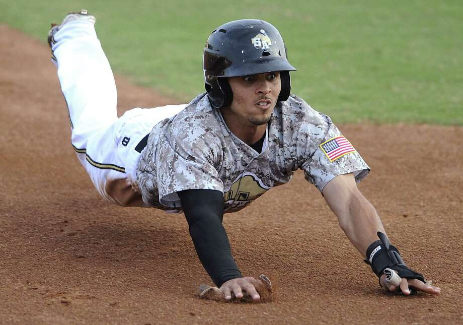 The Missions' Rico Noel set a Wolff Stadium-era team record with 59 stolen bases in the regular season. Photo: Billy Calzada / San Antonio Express-News