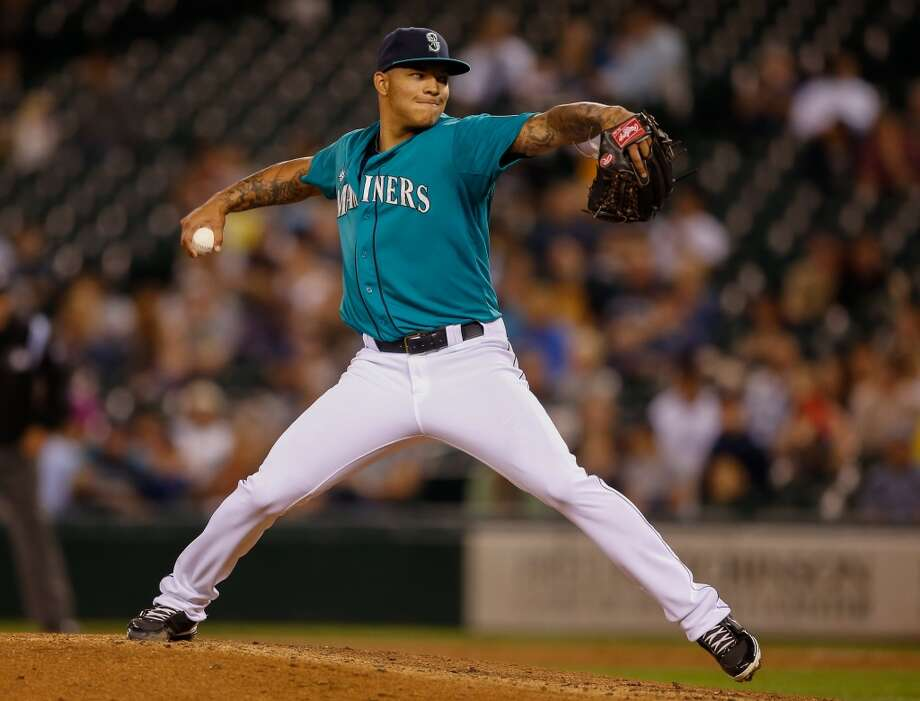 Taijuan Walker of the Mariners pitches against the Astros in the fifth inning. Photo: Otto Greule Jr, Getty Images