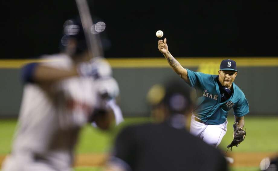 Mariners starting pitcher Taijuan Walker throws against the Astros. Photo: Ted S. Warren, Associated Press