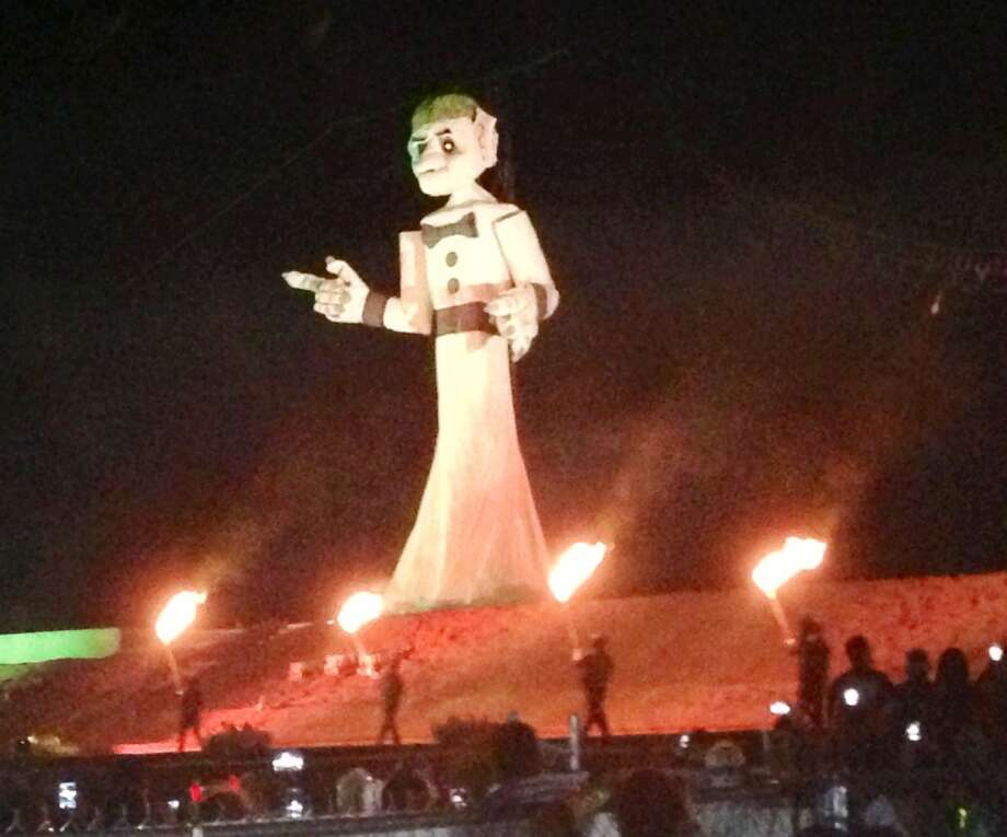 Zozobra, a 50-foot puppet, just before he was burned