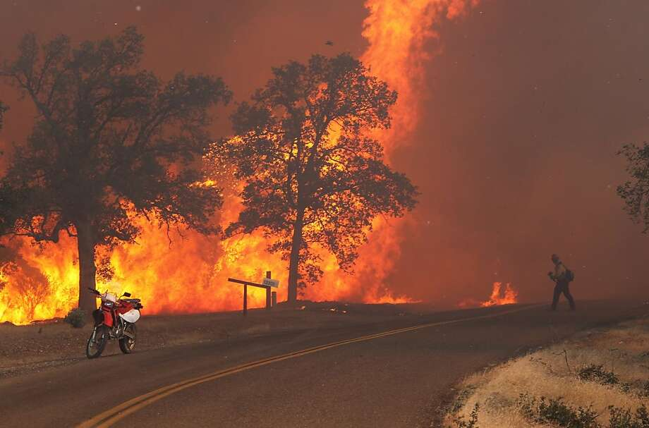 September's fatal Clover Fire in Shasta County consumed 8,000 acres and destroyed 68 homes. Photo: Andreas Fuhrmann, Associated Press