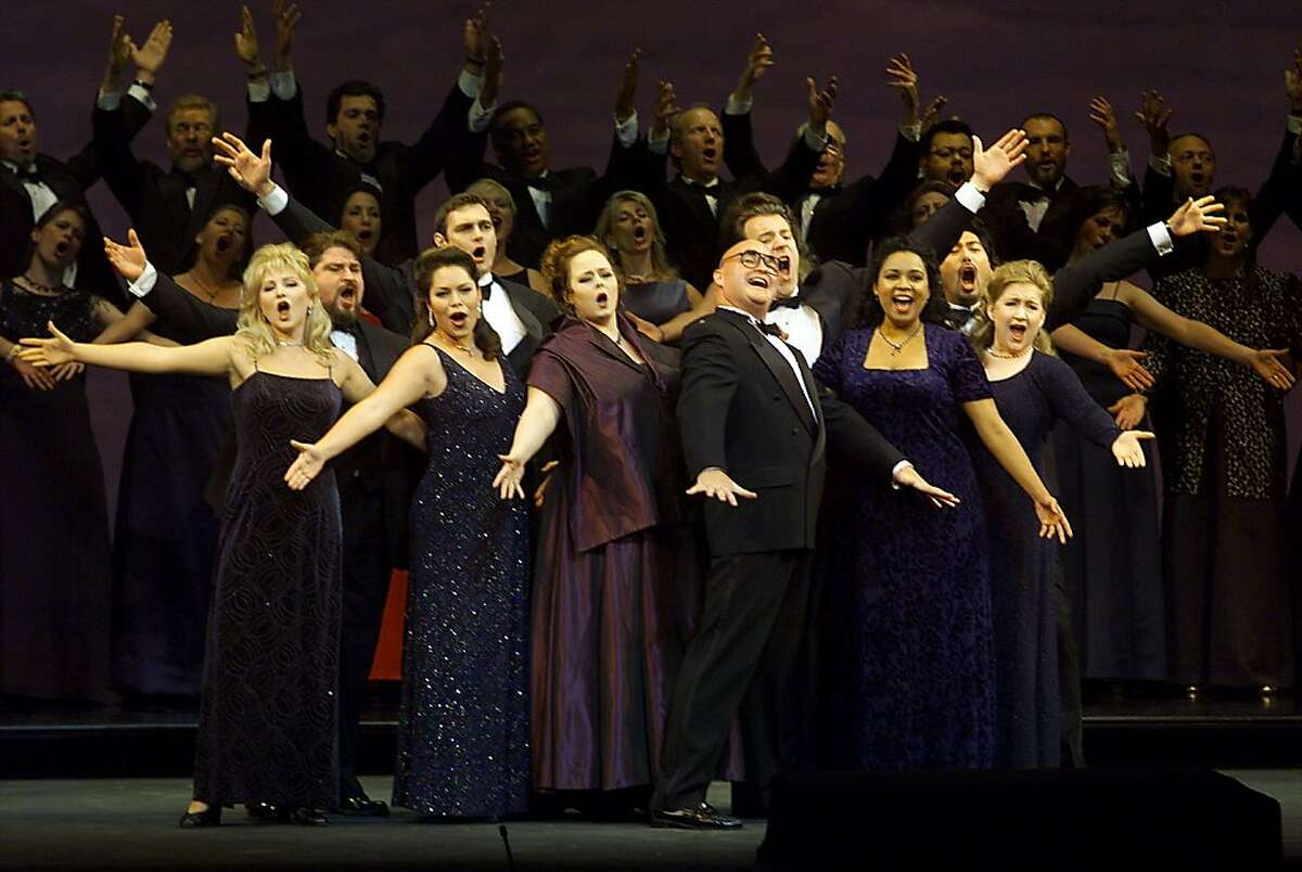 OPERA09d-C-08SEP00-DD-LH--Lofti Mansouri's tribute at the end of opera. PHOTO BY LIZ HAFALIA /SAN FRANCISCO CHRONICLE