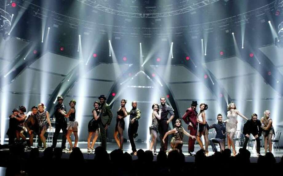 "SO YOU THINK YOU CAN DANCE: The top 20 contestants perform a group dance routine to ""Wonderwall"" choreographed by Ivan Koumaev in the season finale episode of SO YOU THINK YOU CAN DANCE airing Tuesday, September 10 (8:00-10:00 PM ET/PT) on FOX. ©2013 FOX Broadcasting Co. Cr: Adam Rose / 1"