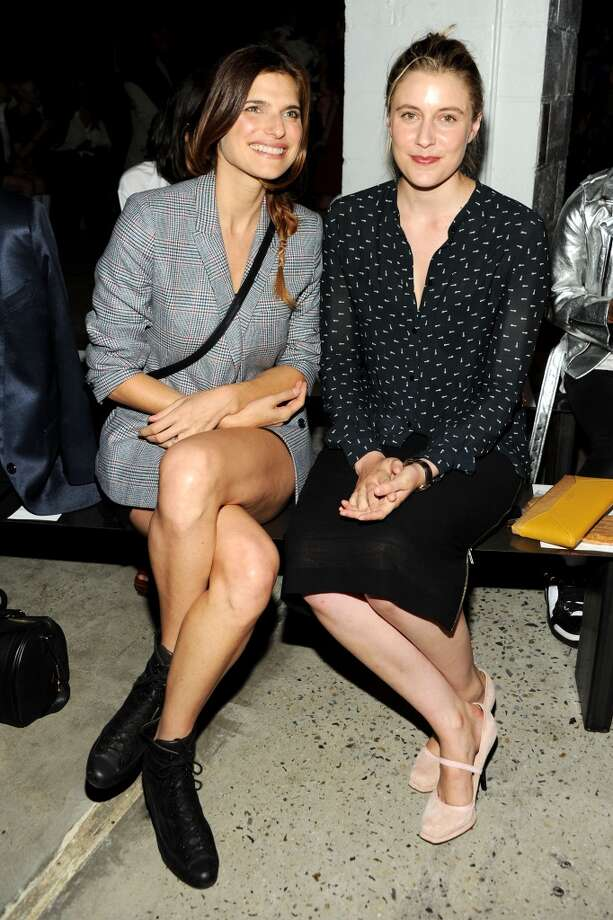 Actresses Lake Bell (L) and Greta Gerwig attend Band Of Outsiders Women's during Mercedes-Benz Fashion Week Spring 2014 on September 8, 2013 in New York City. Photo: Ben Gabbe, Getty Images