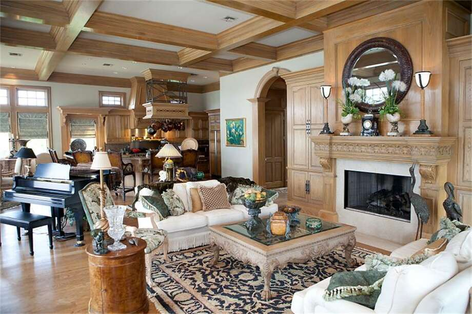 Listing agent: Carolyn Gaido