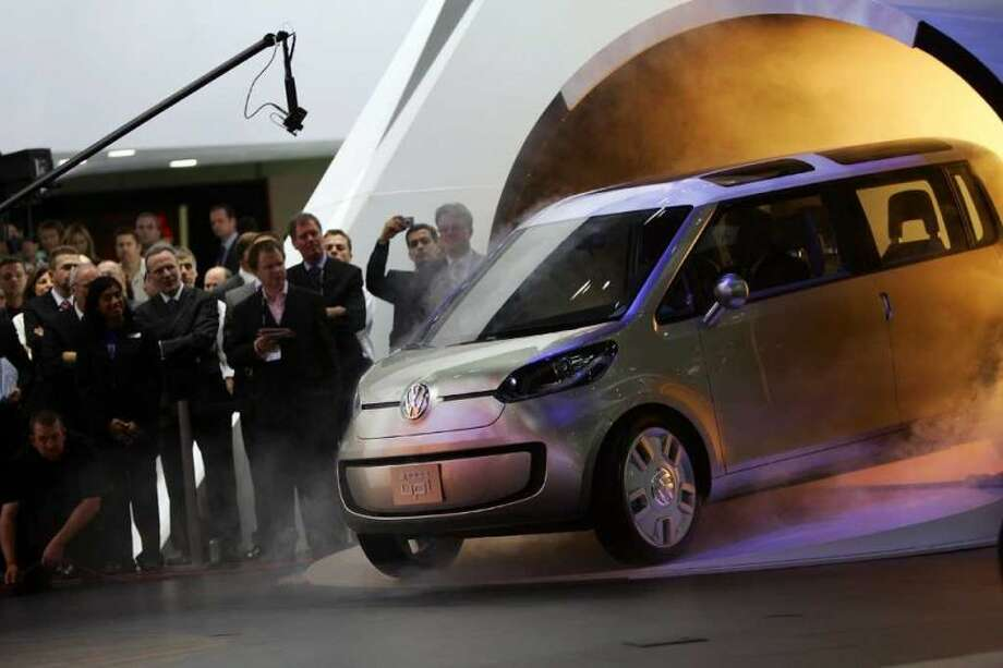 Volkswagen unveiled its fuel-cell powered concept car called space up! blue during a two-day media preview of the Los Angeles Auto Show, on November 14, 2007 in Los Angeles, California. Photo: David Mcnew, Getty Images