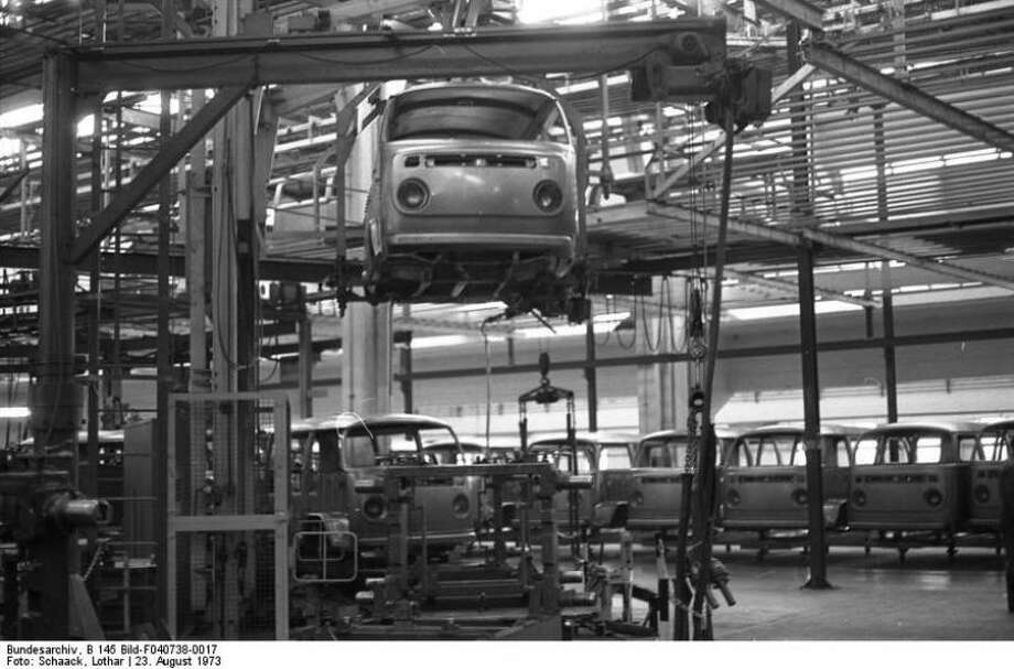Volkswagen Type 2 van frames at VW Autowerks in Hannover on Aug 23, 1973. Photo: Lothar Schaak, Wikimedia Commons
