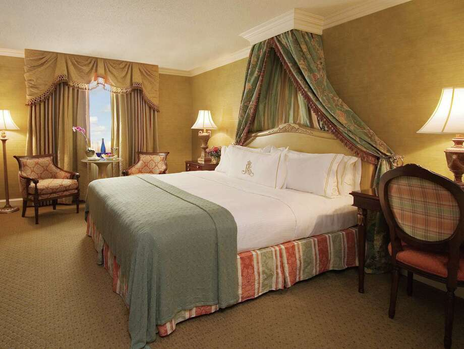 Rooms on the seventh floor RClub level of Royal Sonesta Hotel New Orleans are upgraded guest rooms with access to the RClub lounge and a full-time RClub manager. Photo: Royal Sonesta Hotel