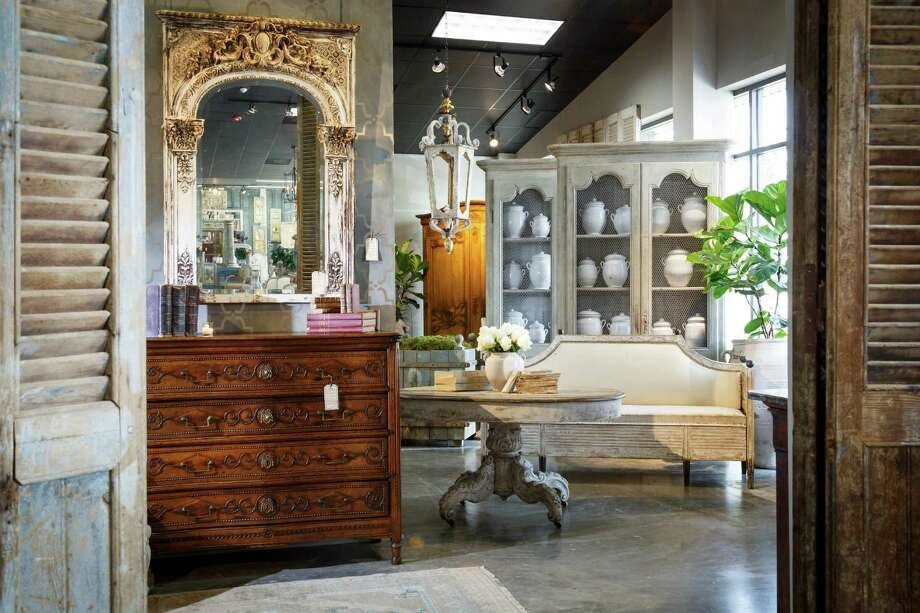 Specializing in French furniture, Joyce Horn Antiques has moved to a new space near Houston Design Center. Photo: Michael Paulsen, Staff / © 2013 Houston Chronicle