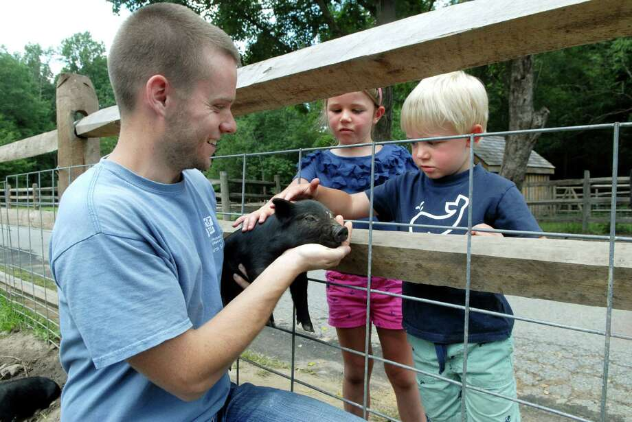 The Stamford Museum & Nature Center invites kids its Sunday Explorers program on Sundays, from Sept. 22 through Nov. 24 (except Oct. 20 and 27). The program features live animal visits, garden experiences and crafs. Photo: Dru Nadler / Stamford Advocate Freelance