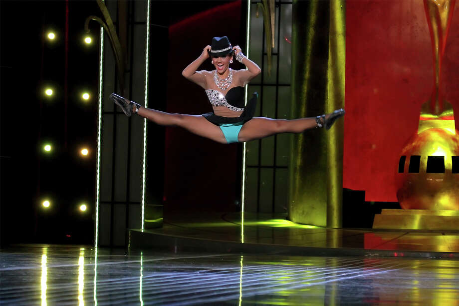 Miss Alabama, Chandler Champion performs a Ballet en Pointe as she  attends 2014 Miss America News Competition - Preliminary Round 1 at Atlantic City Boardwalk Hall on September 11, 2013 in Atlantic City, New Jersey. Photo: Donald Kravitz, Getty Images / 2013 Donald Kravitz