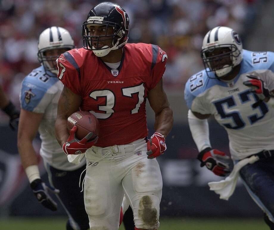 Texans 31, Titans 21 Nov. 28, 2004  The Texans overcome a 14-0 first quarter hole to sweep the season series. Domanick Williams rushes for 129  yards and a touchdown in the win. Photo: Carlos Javier Sanchez, Chronicle
