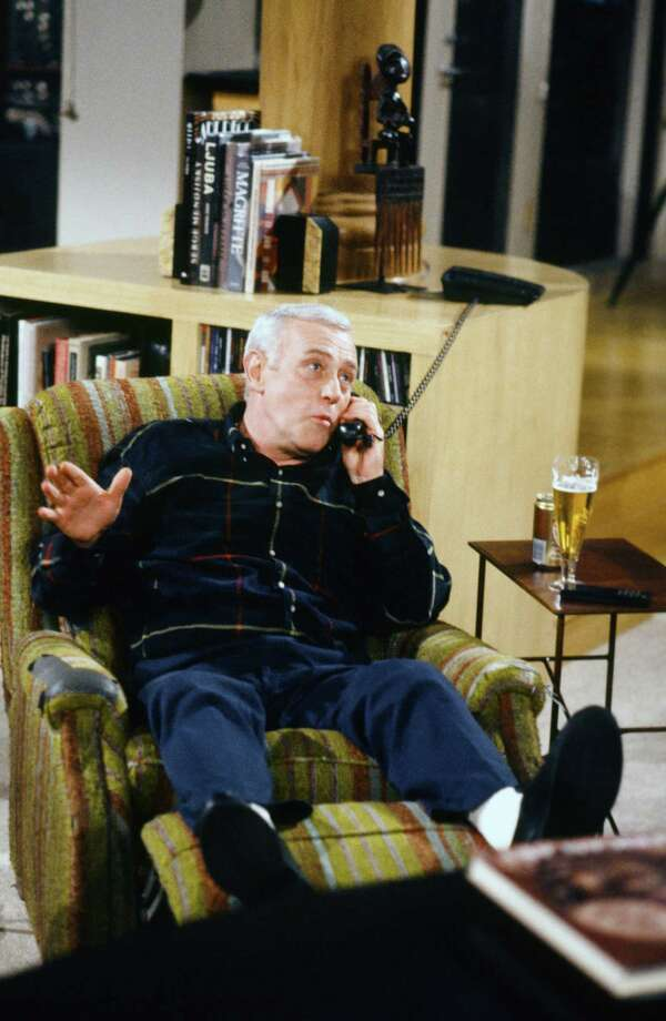 """John Mahoney, who played Martin Crane on """"Frasier,"""" has died at the age of 77 Photo: Paul Drinkwater, - / © NBC Universal, Inc."""