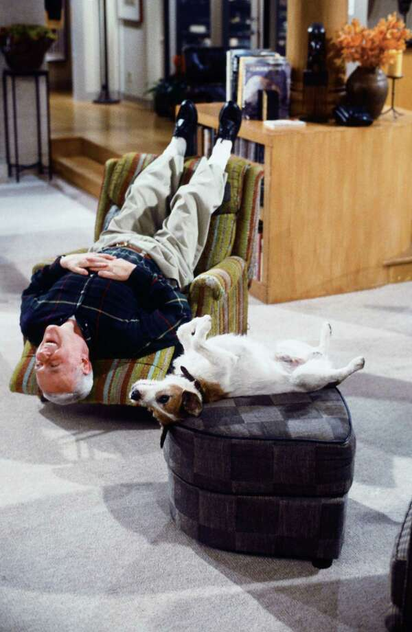 Moose, Eddie (194 episodes, 1993-2003), or  Enzo the Dog, also Eddie Photo: Paul Drinkwater, - / © NBC Universal, Inc.
