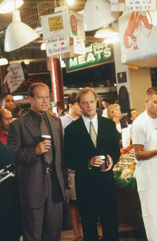 Kelsey Grammer as Dr. Frasier Crane, David Hyde Pierce as Dr. Niles Crane. Photo: Alice S. Hall, - / © NBC Universal, Inc.