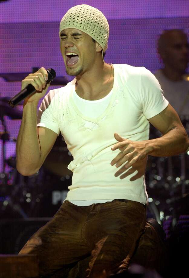 Enrique Iglesias -2002