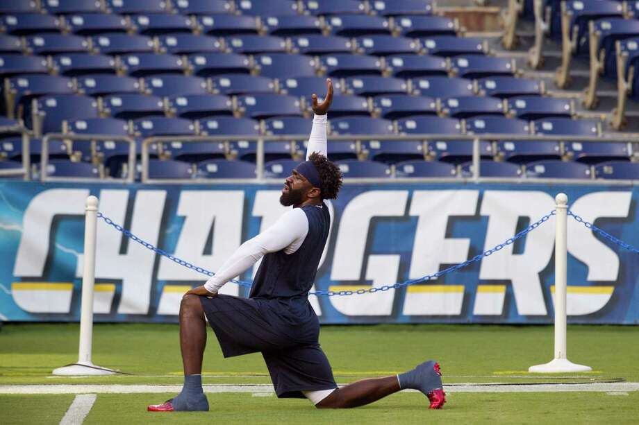 Texans free safety Ed Reed hopes he can do more than just warm up when Sunday's game rolls around. Photo: Brett Coomer, Staff / © 2013  Houston Chronicle