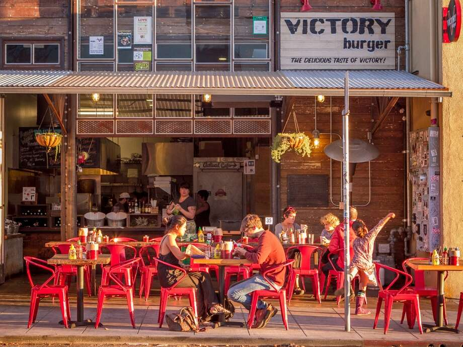 Victory Burger in Oakland. Photo: John Storey, Special To The Chronicle