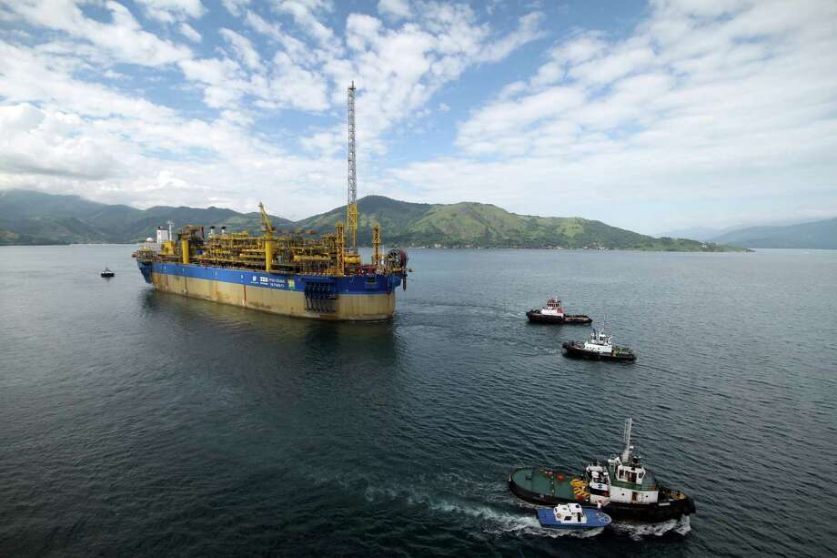 FPSO Cidade de Paraty sail-away from Brasfels shipyard.