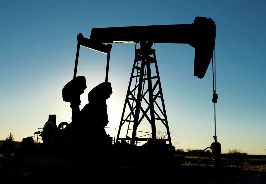 Demand for global oil and gas commodities is expected to remain strong. / iStockphoto