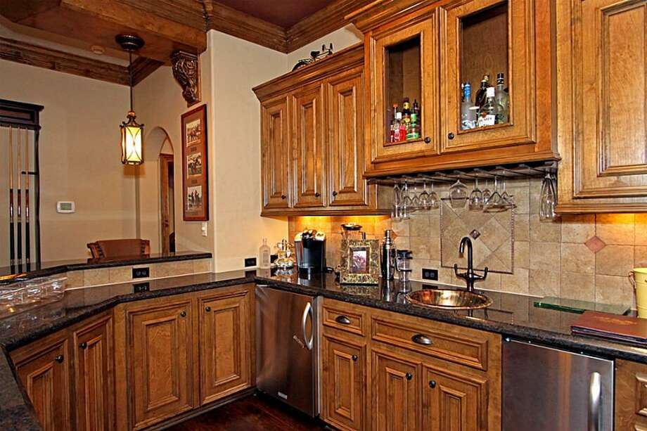 Listing agent: Diane KinkSee the listing here.