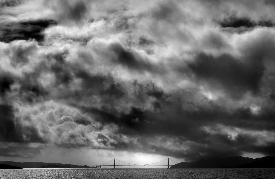 Chilly temperatures were expected around the Bay Area through New Year's Eve with a series of storms are set to impact the region next week. Photo: Mark Costantini, The San Francisco Chronicle