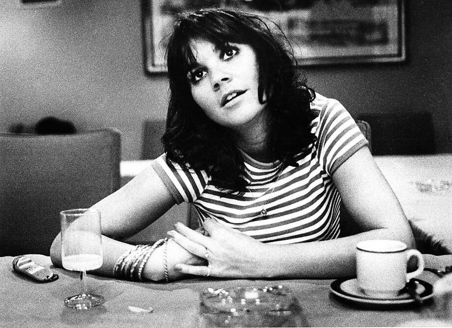 Linda Ronstadt posed in Amsterdam, Netherlands in 1976 (Photo by Gijsbert Hanekroot/Redferns) Photo: Gijsbert Hanekroot