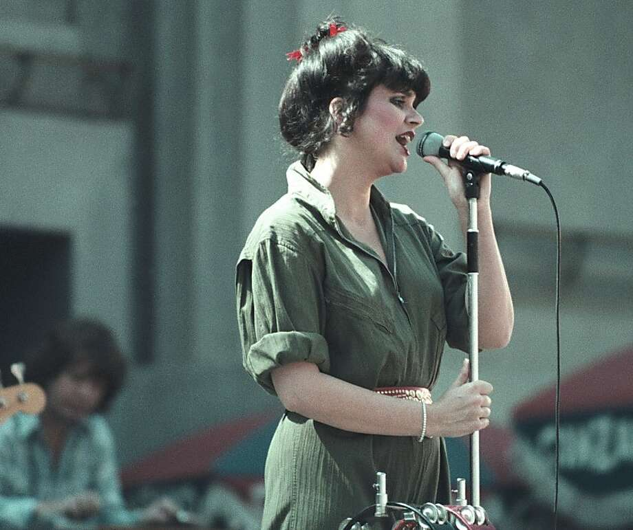 Linda Ronstadt performing at the Greek Theater in Berkeley, Calif June 1984.. Image By: Tim Mosenfelder/ImageDirect Photo: Tim Mosenfelder