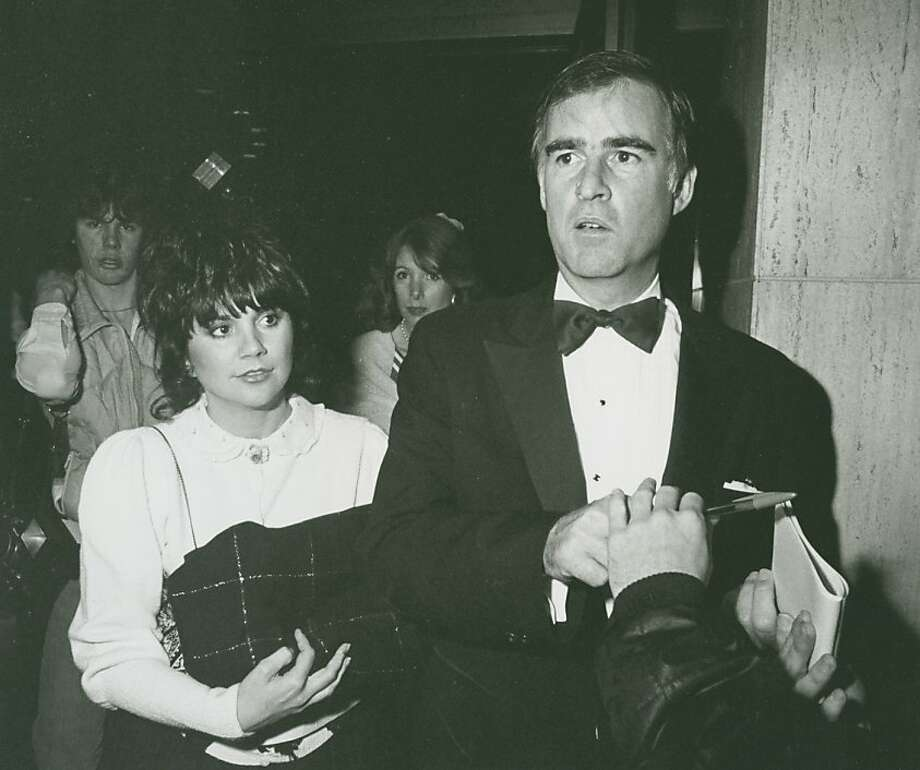 "Governor Jerry Brown and singer Linda Ronstadt attending the opening of ""Dreamgirls"" on March 20, 1983 at the Shubert Theater in Century City, California. Photo: Ron Galella"