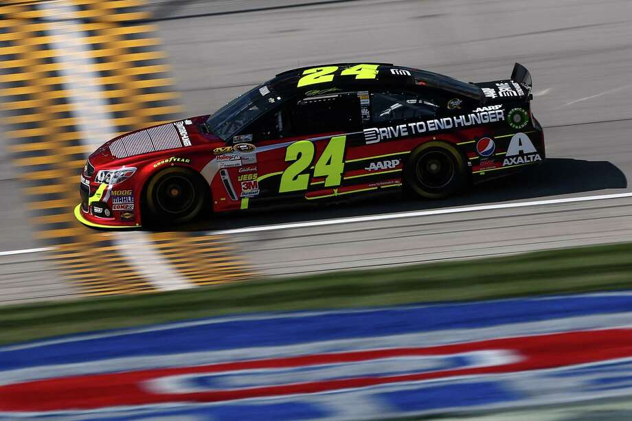 JOLIET, IL - SEPTEMBER 13:  Jeff Gordon, driver of the #24 Drive To End Hunger Chevrolet, practices for the NASCAR Sprint Cup Series Geico 400 at Chicagoland Speedway on September 13, 2013 in Joliet, Illinois.  (Photo by Todd Warshaw/Getty Images) ORG XMIT: 180388828 Photo: Todd Warshaw / 2013 Getty Images