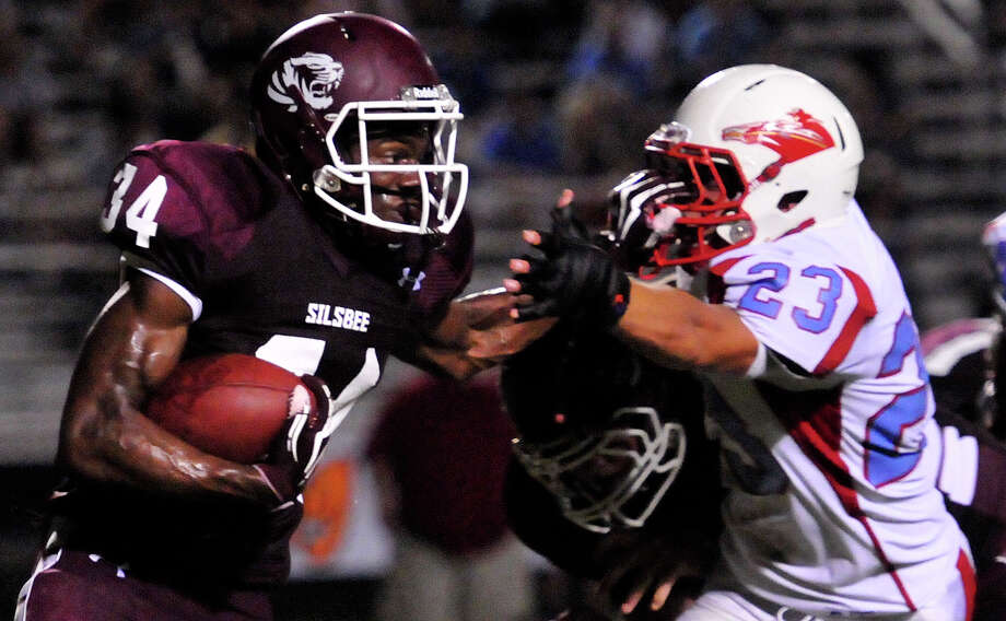 The Lumberton Raiders played the Silsbee Tigers Friday night at Silsbee High School. Photo: Cassie Smith