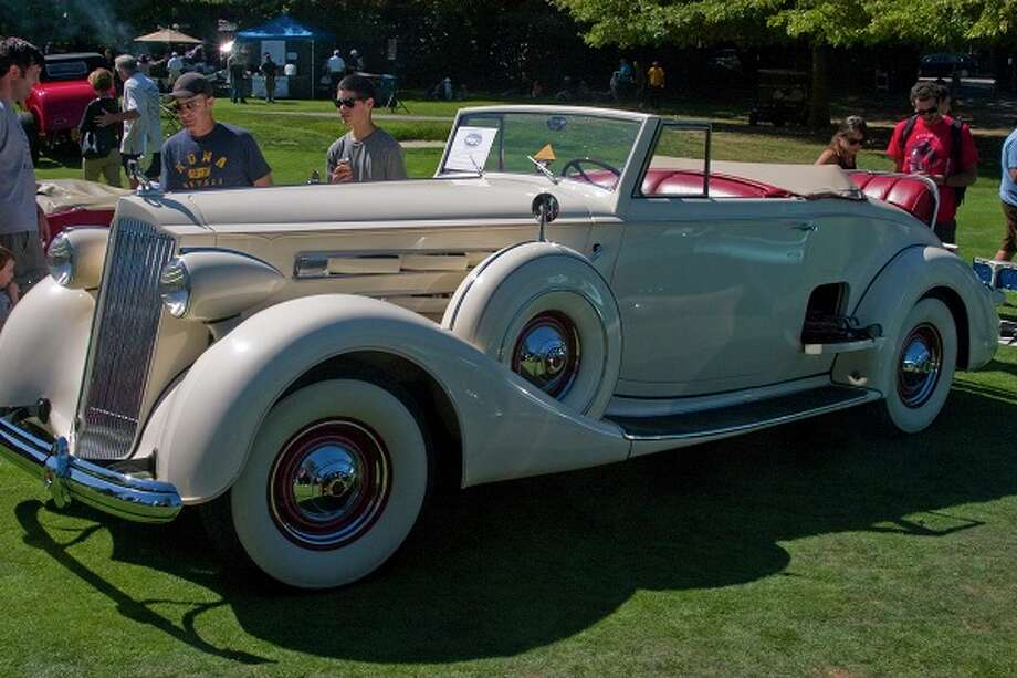 1937 Packard, Model 1502, owned by Lewis Owens and family. Photo: David Dierks / © 2012 Orinda Classic Car Show
