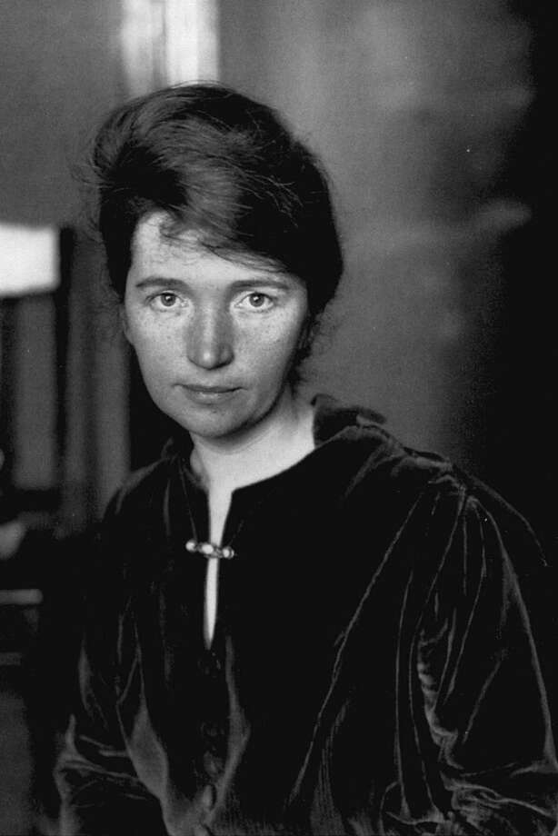 02802260.0SH PBS 10/12/98 9:00 PM Topical Best Bet Day The life and times of the early feminist are recalled as PBS presents the new documentary ''Margaret Sanger,   Monday, Oct. 12 (9-10:30 p.m. ET). ORG XMIT: MER2013091318343796
