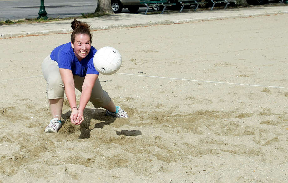 Maribel Molina plays volleyball at Cummings Beach in Stamford, Conn., on Saturday, Sept. 14, 2013. Photo: Lindsay Perry / Stamford Advocate