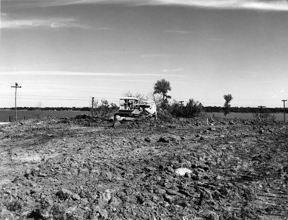 1962 - Houston, Texas - Manned Spacecraft Center site bulldozer Photo: NASA / handout