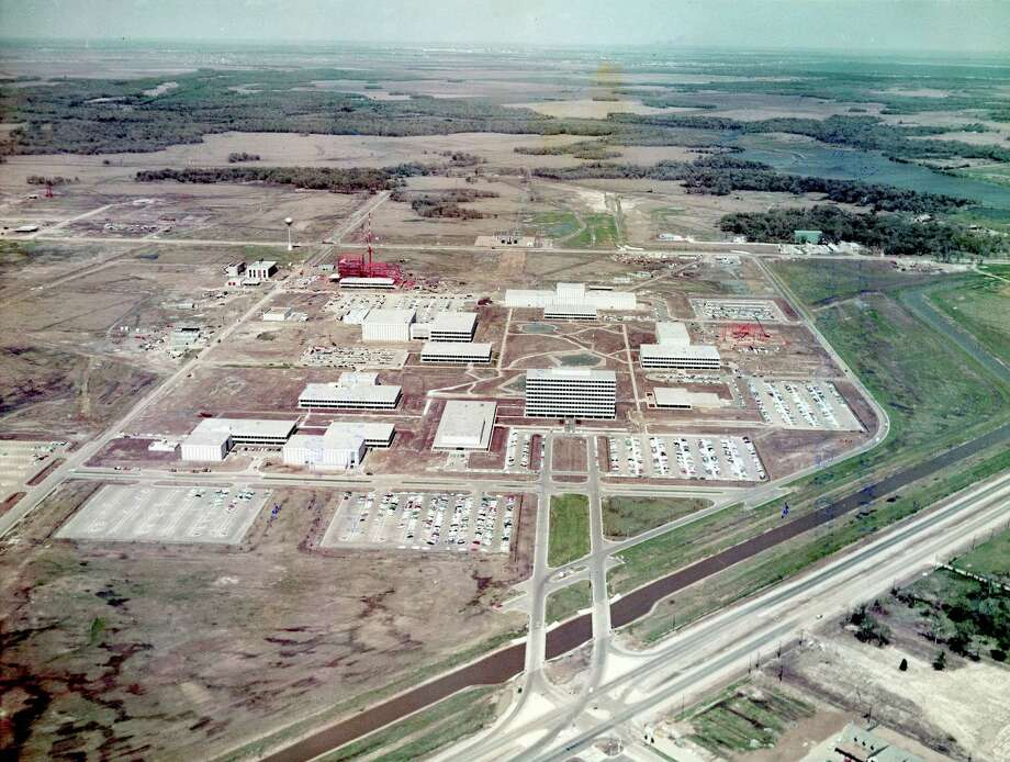 03/20/1964 -  Manned Spacecraft Center, Clear Lake, Houston, Texas. Main entrance from FM 528 looking at Building I - northeast. Photo: NASA / handout
