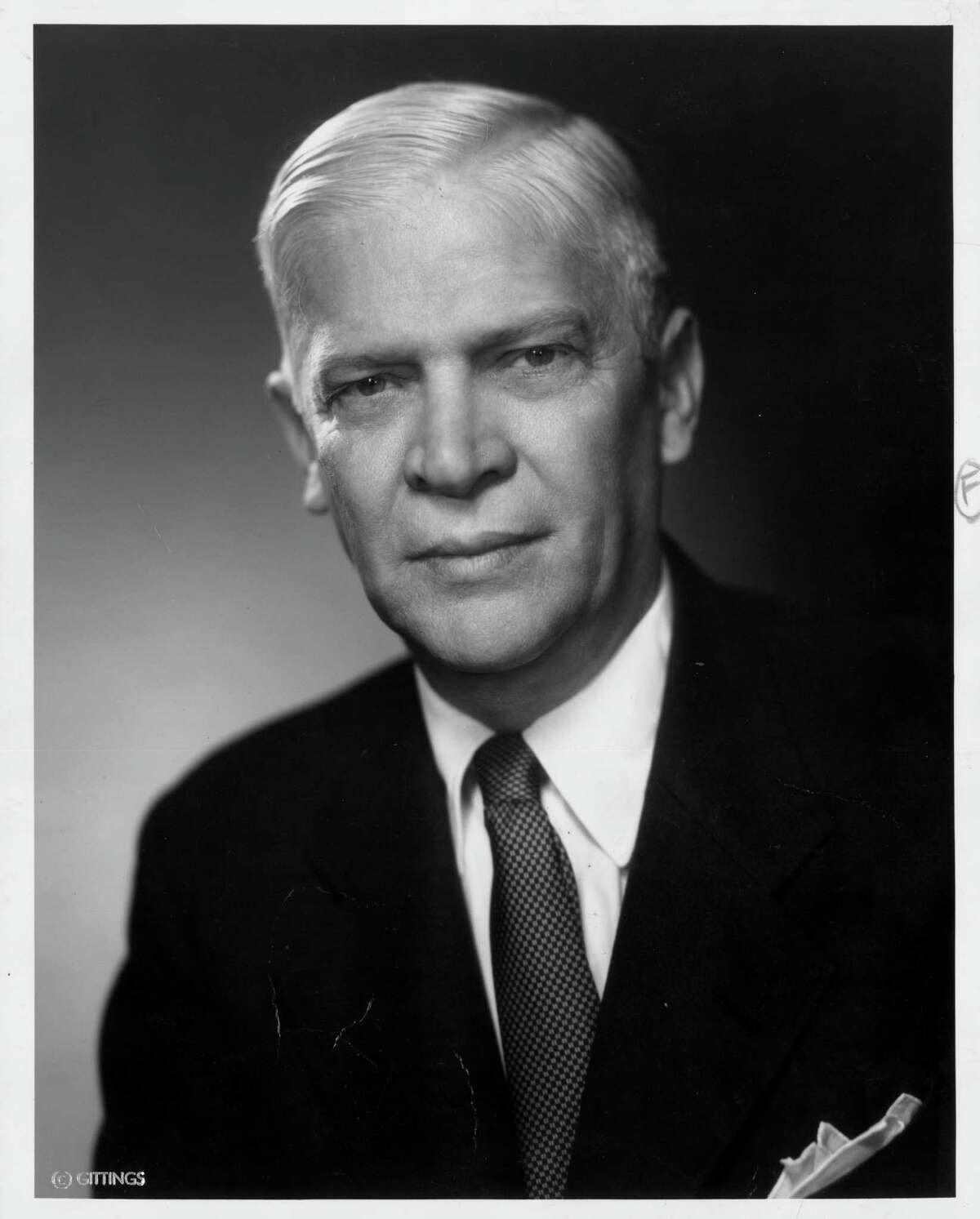 George R. Brown, Executive Vice President of Brown & Root. Photo dated September 1958. HOUCHRON CAPTION (12/12/1999): George R. Brown 1898-1983. HOUSTON CHRONICLE SPECIAL SECTION: THE HOUSTON CENTURY. HOUCHRON CAPTION (11/05/2000): None (George R. Brown Mug) HOUCHRON CAPTION (11/05/2000): George R. Brown in 1958 HOUSTON CHRONICLE SPECIAL SECTION/TEXAS MAGAZINE: 100 TALL TEXANS. HOUCHRON CAPTION (12/19/2002): George Brown.