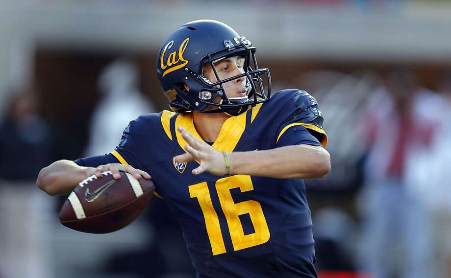 Cal quarterback Jared Goff, (16) throws in the third fourth quarter as the California Golden Bears went on to lose to the Ohio State Buckeyes 52-34 at Memorial Stadium on Saturday Sept. 14, 2013 in Berkeley, Calif. Photo: Michael Macor, The Chronicle