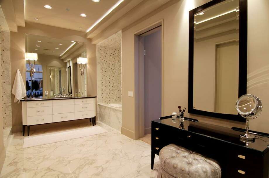 Master bathroom.  See the listing online or contact realtor Patricia Garrison: 2727 Kirby 25F