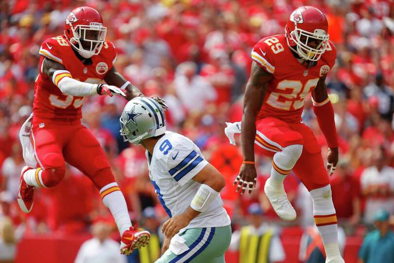 KANSAS CITY, MO - SEPTEMBER 15: Husain Abdullah #39 and Eric Berry #29 of the Kansas City Chiefs att