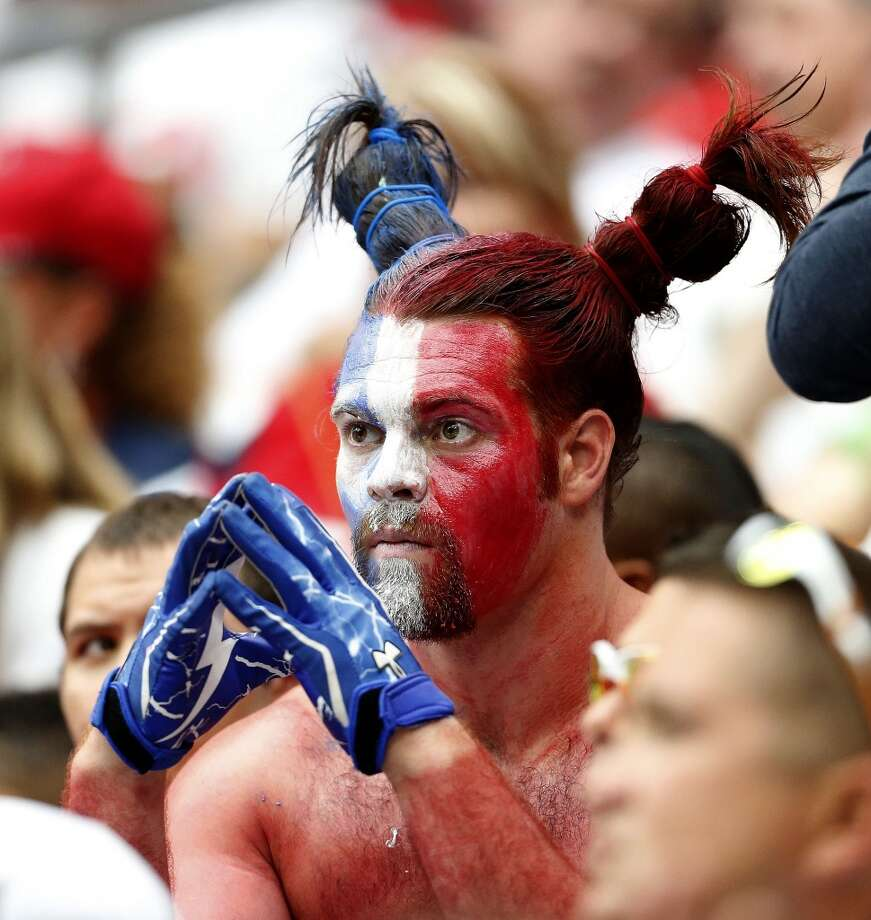 A Texans fan reacts during the fourth quarter. Photo: Karen Warren, Chronicle