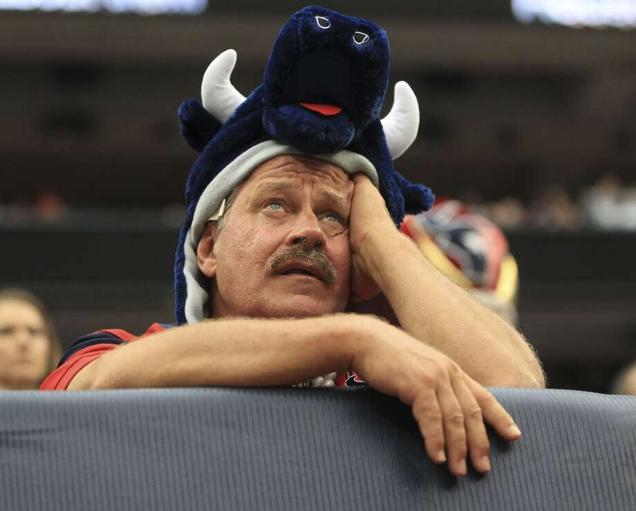 A fan reacts during the third quarter. Photo: Karen Warren, Chronicle