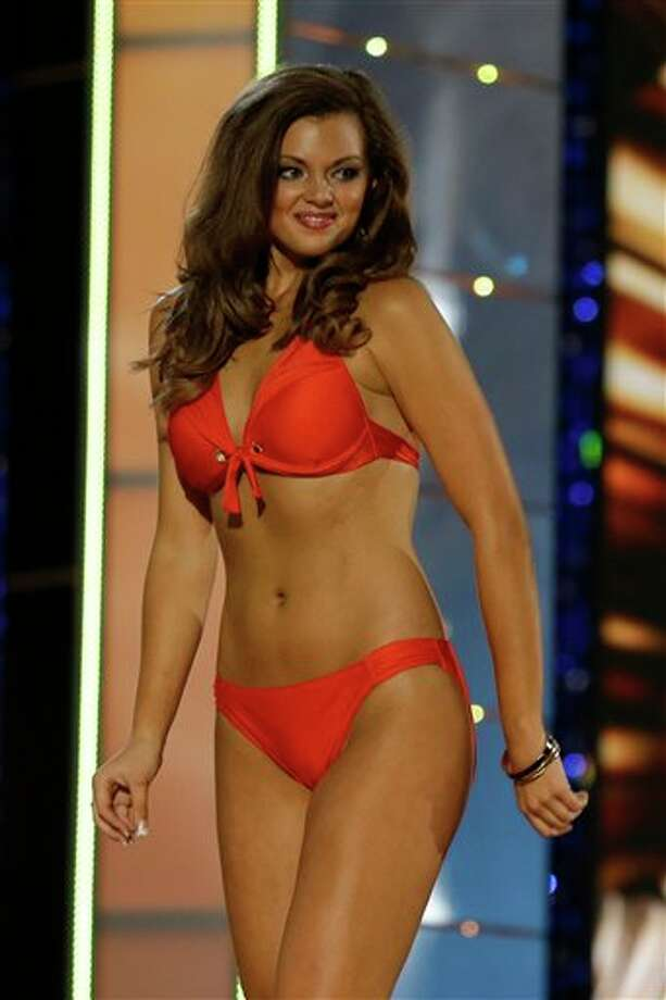 Miss Kentucky Jenna Day displays her swimsuit. Photo: Mel Evans, AP / AP