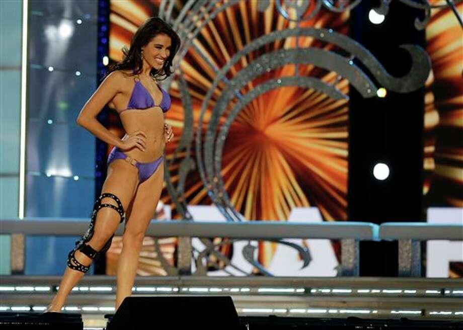 Miss Florida Myrrhanda Jones wears a swimsuit during the lifestyle competition. Photo: Mel Evans, AP / AP