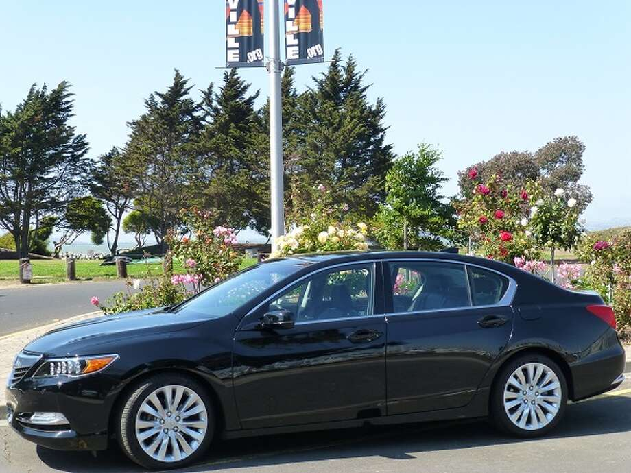 The 2014 Acura RLX, their flagship sedan, but one that has a lot of competitors. (All photos by Michael Taylor)