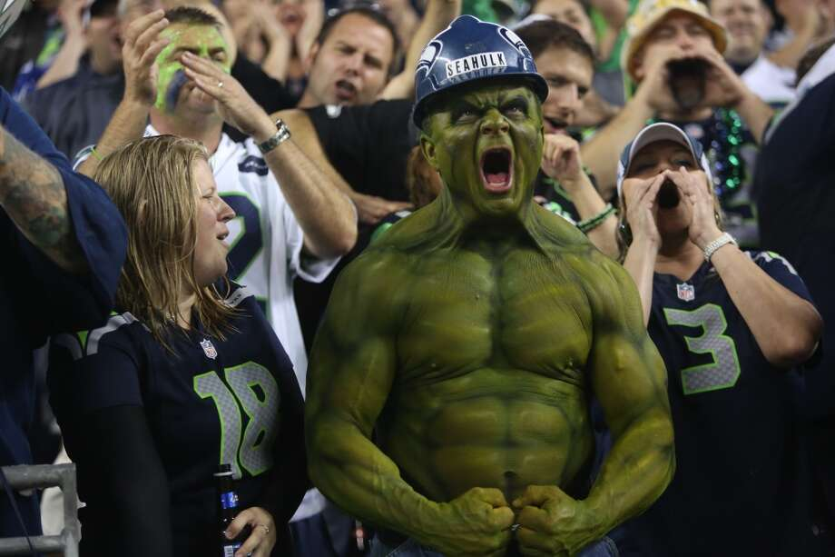 """Seahulk"" flexes his muscles for the Seattle Seahawks as they play the San Francisco 49ers. Photo: JOSHUA TRUJILLO, SEATTLEPI.COM"